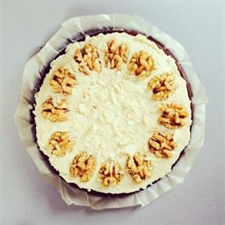 Gezonde worteltaart met walnoten en amandel