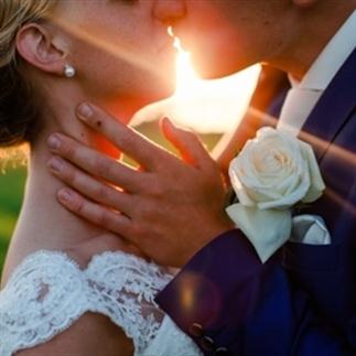 Zo leuk kan trouwen in je eigen tuin zijn!