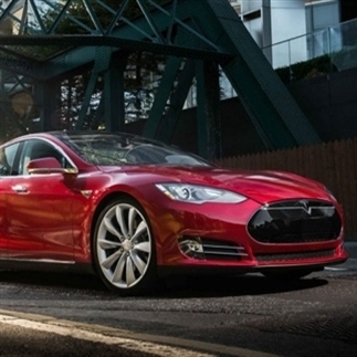 Software update laat je Tesla zelf voorrijden