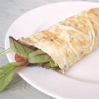 Ei-wrap met kipfilet en groente