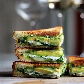Oh Yes Please: De Green Goddess Sandwich!