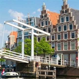 24 uur in... Haarlem
