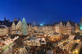 Kerstmarkt langs de Main in Frankfurt