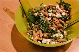 Salade met geitenkaas en rucola