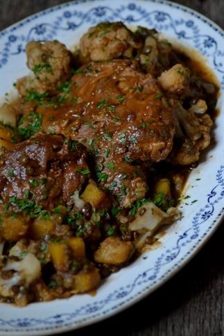 Indiase curry met lam, linzen, bloemkool & pompoen