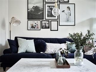 Binnenkijker: Zweeds appartement met fluwelen bank