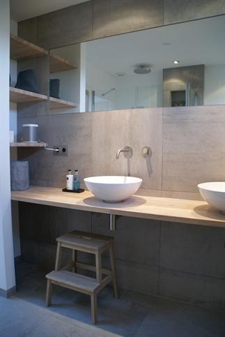 Hoe laat je een kleine badkamer groter lijken
