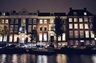 Kerstsfeer in Amsterdam – de verlichte grachten