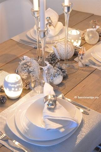 Kersttafel versieren in Winter Wonderland-stijl
