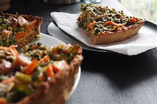 LUNCH: boerenkool-quiche met zoete aardappel en ro