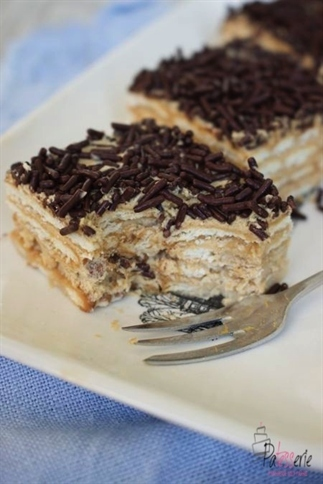 Beppetaart, een no-bake taart van koekjes en mokka