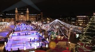 De beste kerstuitjes: van travestieten tot curling