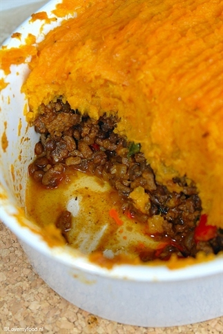 Ovenschotel met linzen, gehakt en zoete aardappel