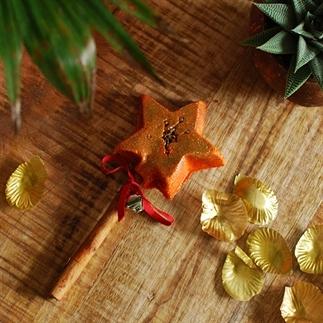 The Magic of Christmas Bubble Bar | Lush