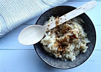 Warm zoet appel rijstontbijt
