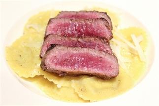 Biefstuk met ravioli en truffel