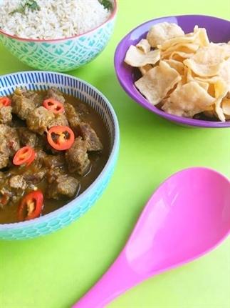 Daging Rendang (rundvlees gestoofd in kokosmelk)