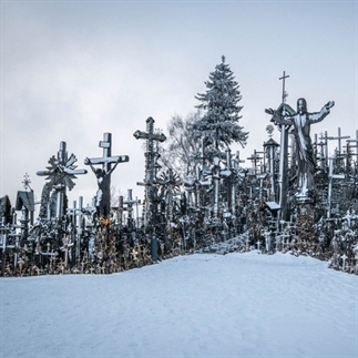 De heuvel der kruisen in Litouwen