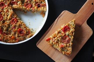 LUNCH: rijst-groentetaart met tomaatjes en parmeza