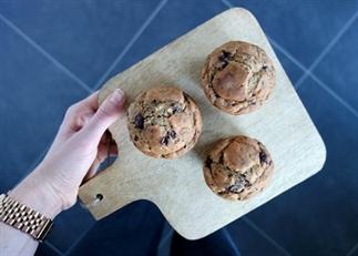 Mega bananen-muffins met chocolade (gezond)