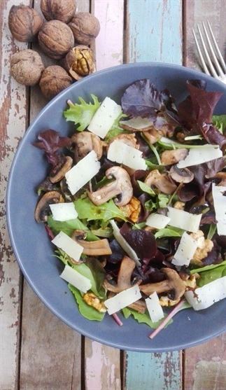 Salade met champignons en manchego
