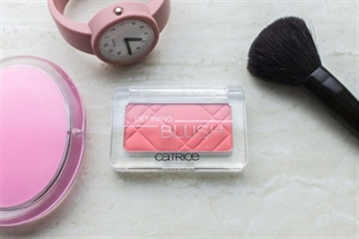 Catrice Defining blush 025 Pink feat. Coral