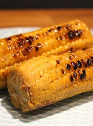 Heerlijke gegrilde mais