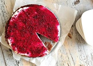 Red velvet brownie taart