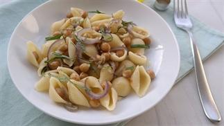 vegetarische pasta met kikkererwten