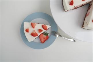 Yoghurttaart met aardbeien