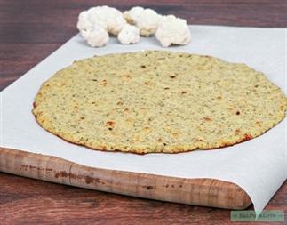 Zo maak je de perfecte pizzabodem van bloemkool