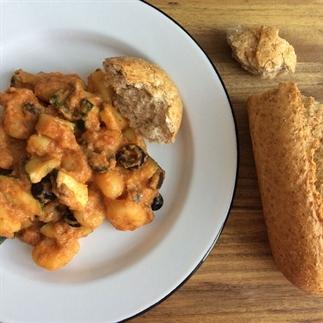 Gnocchi met courgette en olijven (vegan!)