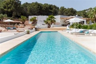 7 x landelijk slapen op Ibiza