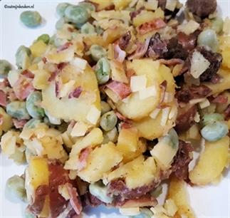 Aardappelsalade met tuinbonen en bacon