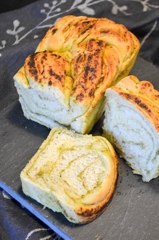 Brood met swirl van pesto