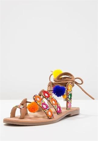 Dress to Impress Zomerse sandalen