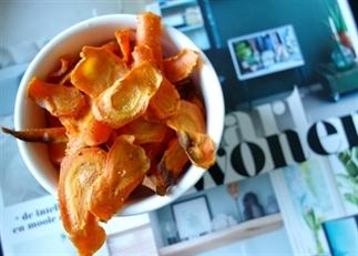 Gezond snacken met wortel chippies