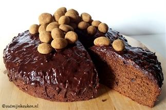 Chocolade cake met crunchy ganache