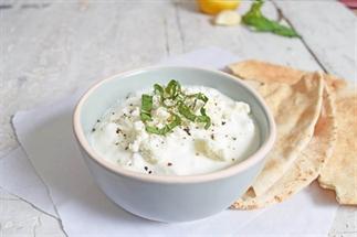 Dip it - Dip met yoghurt, feta, munt en knoflook