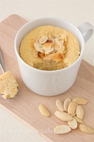Glutenvrije mug cake met amandelen