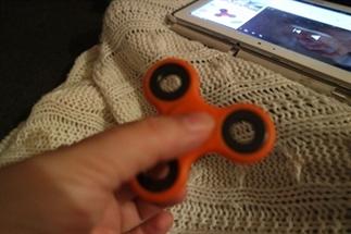 Review fidget spinner!