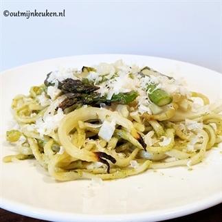 Vegetarische pasta met venkel en groene asperges