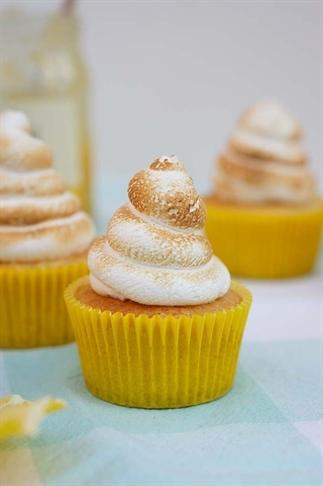 Citroen meringue cupcakes