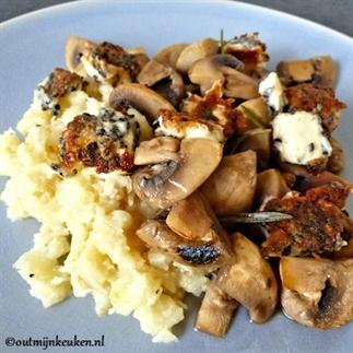 Gemarineerde champignons met krokante feta