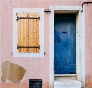 Oude deuren in Frankrijk