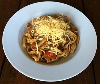 Pasta met vegetarische saus à la bolognese
