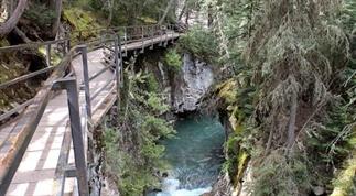 Wandelen door Johnston Canyon, Banff NP, Canada