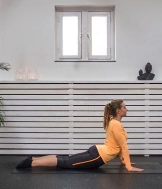 Yoga oefeningen voor in het vliegtuig!