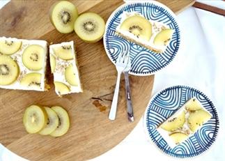 Dadel yoghurt kiwi taart