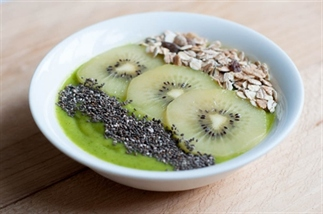 Sungold kiwi smoothiebowl